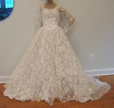 Vintage 50er Jahre Elfenbein Lace Hochzeit Kleid von yesteryearglam, $275.00