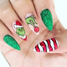 #notd Grinchmas #nails by @the_nail_lounge_miramar #christmasnails Tag #nailsmagazine for a feature #grinch #nailart