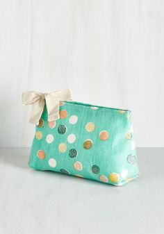 I Lively Recommend It Makeup Bag. When traveling as a team with your roomie, you get to share road trip tips - like how great it is having a fun makeup bag like this one! #multi #modcloth