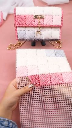 Diy Handbag, Diy Purse, Crochet Basket Pattern, Crochet Patterns, Knitting Patterns, Diy Bags Tutorial, Crochet Bag Tutorials, Hand Embroidery Videos, Diy Crochet And Knitting