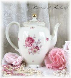 Brocante koffiepot met roosjes (sold) www.brocantedeknotwilg.nl  leuke webshop