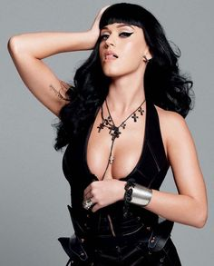 Pop Star Katy Perry Showed Off More Than She Should Have      Pop culture witnessed that Katy Per...