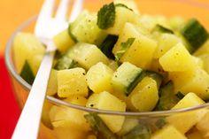 Petite salade de pommes de terre, menthe et concombre