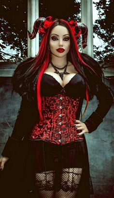 Top Gothic Fashion Tips To Keep You In Style. As trends change, and you age, be willing to alter your style so that you can always look your best. Consistently using good gothic fashion sense can help Style Steampunk, Gothic Steampunk, Victorian Gothic, Steampunk Fashion, Gothic Lolita, Gothic Metal, Gothic Corset, Gothic Art, Hot Goth Girls