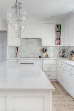 White Cabinets White Countertops, White Shaker Kitchen Cabinets, Quartz Kitchen Countertops, White Kitchen Island, Kitchen Islands, White Kitchen With Marble, Marble Kitchen Ideas, Kitchen With White Countertops, Backsplashes With White Cabinets