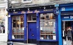 7 Top Budget Bars in Edinburgh - hostelbookers Edinburgh Bars, Bar Stuff, Whiskey, Scotland, Budgeting, Bottles, Scene, Bow, Whisky