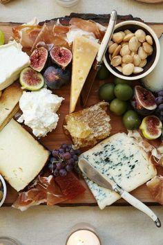 menu équilibré pas cher, fromage et fruits, petits plats en equilibres
