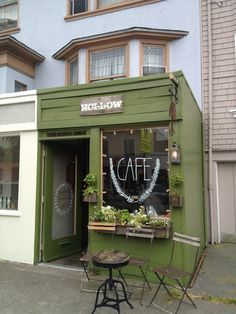 The tiniest coffee shop. Serves ritual coffee and sells lots of tiny things for your home or your unorganized drawer of weird beautiful miscellaneous shit. I buy my perfume here.