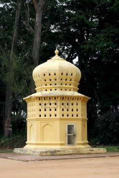 Picture of Beautiful Dovecote near the entrance of the Daria Daulat, Tipu Sultan Summer Palace stock photo, images and stock photography. Pigeon House, Pigeon Loft, Nest Building, Amazing India, Summer Palace, How To Attract Birds, Small Buildings, Wood Stone, Nesting Boxes