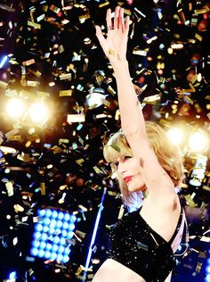 Taylor Swift performing at Dick Clark's New Year's Rockin' Eve ♥ 31.12.14