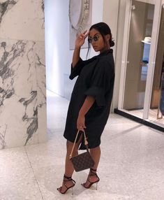View other great ideas about Styles outfits, Plunder clothing and Girl design and style. Classy Outfits, Stylish Outfits, Girl Outfits, Summer Outfits, Fashion Outfits, Black Women Fashion, Look Fashion, Womens Fashion, 90s Fashion