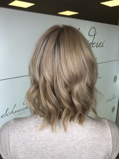New haircolor Haircolor, Blonde Hair, Long Hair Styles, Beauty, Shaving Machine, Barber Salon, Hair Stylists, Dressmaking, Shaving