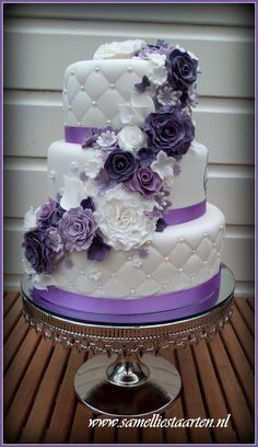 wedding cake www.tablescapesbydesign.com https://www.facebook.com/pages/Tablescapes-By-Design/129811416695 #purpleweddingcakes