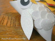 snow owl christmas ornaments, christmas decorations, crafts, seasonal holiday decor, A circle punch was used to add the eyes and feathers The wings were cut by hand and the beak is a scrap piece of yellow paper cut in a triangle Christmas Owls, Christmas Crafts For Kids, Xmas Crafts, Christmas Angels, Christmas Tree Ornaments, Christmas Decorations, Holiday Decor, Christmas 2014, Holiday Fun