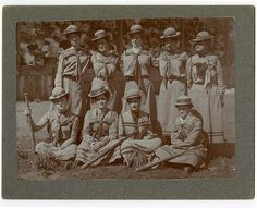 [Unidentified women's baseball team]