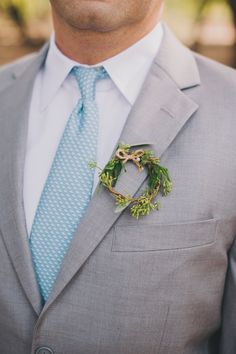 Boutonnière I love to go with wreath bouquets