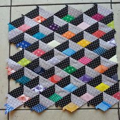 So I started playing with #epp and my #karenlewistextiles scraps last week and this happened...... I just need to square off the remaining 3 sides and then ponder over how to quilt it. It's mini size and is a possibility for my #ukminiswap partner even though I've already started one for that. I'll finish both and then decide. Although it might just be too difficult to part with as I totally love it to bits! Especially the 3D effect it has ♥♥♥♥ #ukminiswapnina #miniquilts…