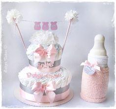 Gateau de couches It's a girl pour célébrer la baby shower de toutes les futures petites princesses.