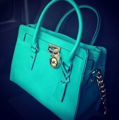 Michael Kors Handbags outlet and all are brand new!