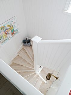 stairwell - love everything about this!