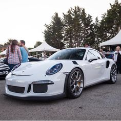 Porsche 991 GT3 RS painted in White w/ HRE P107 Wheels painted in Silver  Photo taken by: @frantheman7 on Instagram