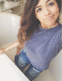 This was on Instagram she said: did my makeup in a bathtub the lighting was so good :) :) :) ahhhhh beth