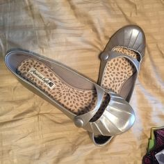 Cute flats Flats worn once American Eagle by Payless Shoes Flats & Loafers