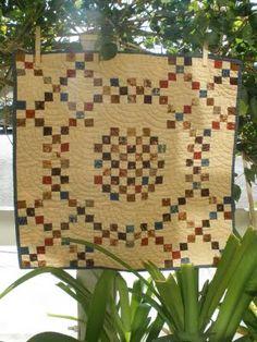 1800's vintage quilt.......i like vintage!