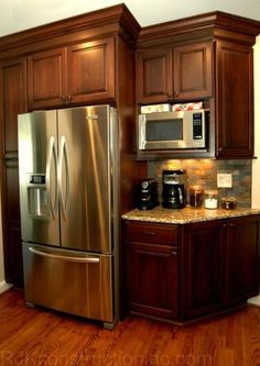 Corner Double Oven Cherry Shaker Cabinets Staggered Cabinetry Design River Oak