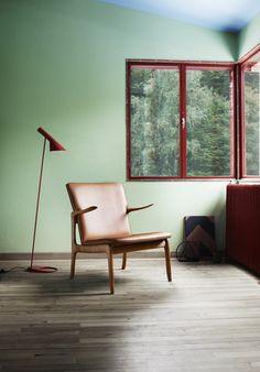 CH25, la lounge chair di Hans j. Wegner in versione in noce. - Arredativo Design Magazine