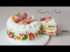[Eng Sub] 과일 생크림 케이크 만들기 / How to make Fruits Fresh Cream Cake / Recipe. Fruit Sponge Cake, Fresh Fruit Cake, Vanilla Sponge Cake, Sponge Cake Recipes, Fruit Cakes, Fresh Cream Cake Recipe, Fruit Birthday Cake, Berry Cake, Food Garnishes