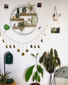 perfectly styled moon garland @nelplant •