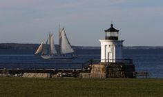 Portland Breakwater #Lighthouse - #Maine #NovaInglaterra… - http://dennisharper.lnf.com/