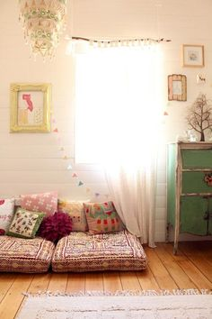cute little reading / lounge corner