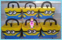 Ateliê Cantinho dos Mimos: Potes de sorvete decorados Minions Mousse, Diy And Crafts, Recycling, Birthdays, Green, Crate Crafts, Eye Stickers, Ornaments, Baskets