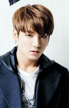this is jung kook he is a k pop! Jung Kook, K Pop, Bts Jungkook, Rap Monster, Foto Bts, Yoonmin, Saranghae, Rapper, Bts Twt