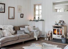 Deco Salon Gris Et Blanc Cocooning Rustique, Cheminée Vintage Canapé Gris,  Jeté De Fourrure