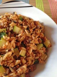 Vegane Reis-Pfanne mit Soja-Schnetzeln: einfach, schnell und gesund!