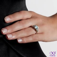 This engagament ring wins the category of dreamy brillance. #Verlobungsring #Yorxs