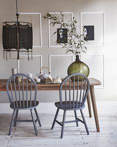 Grey classic wooden chairs | Styling @fietjebruijn | Photographer Jeroen van der Spek | vtwonen August 2015