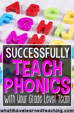 Teaching with a grade level team is hard! How do you make sure that you're working together and the all the students are getting what they need? Here are some tips to successfully teaching phonics while working with your grade level team. Teaching Phonics, Phonics Activities, Kindergarten Literacy, Teaching Tips, Teaching Reading, Guided Reading, Learning, How To Teach Phonics, Phonics Centers