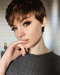 "Perfect modern pixie! 10.6k Likes, 70 Comments - julia marie ☕️ (@neutral.fleur) on Instagram: ""all of god's angels come to us disguised"""