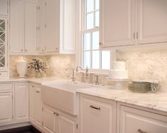 Calacatta Gold Marble Ideas, Pictures, Remodel and Decor