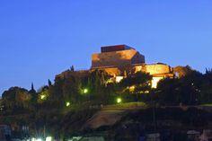 Es increíble la historia de este monte con hallazgos de asentamientos humanos de todas las civilizaciones que habitaron en Cartagena. Una a una fueron ocupándolo. Muy Interesante de conocer y visitar. Cartagena. España