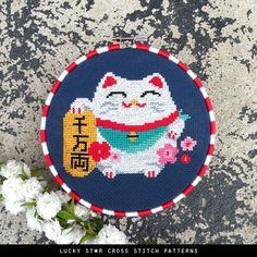 Cute White Lucky Cat Counted Cross Stitch Pattern Chart PDF – Instant Download – Maneki Neko – Japanese Lucky Cat – Chinese Lucky Cat