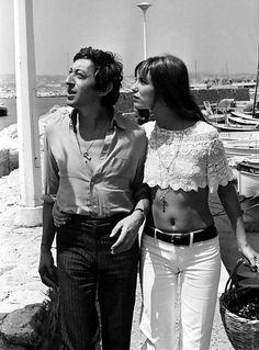 Serge Gainsbourg et Jane Birkin, un couple au style mythique Serge Gainsbourg, Gainsbourg Birkin, Charlotte Gainsbourg, Style Année 70, Swag Style, Casual Chic Style, Trendy Style, 70s Fashion, Fashion History