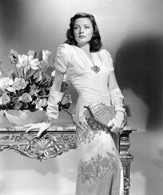 The beautiful, Gene Tierney, 1940s. So stylish!