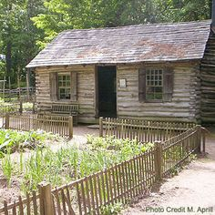1000 images about colonial days on pinterest colonial for Colonial log homes