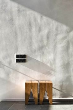 Interior design ideas, home decorating photos and pictures, home design, and contemporary world architecture new for your inspiration. Stucco Walls, Plaster Walls, Stucco Interior Walls, Wood Walls, Textures Murales, Camping Am Meer, Plaster Texture, Wood Texture, Interior Architecture