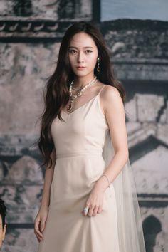 Krystal - f(x) Krystal Jung 2017, Krystal Jung Fashion, Krystal Fx, Jessica & Krystal, Jessica Jung, Asian Woman, Asian Girl, Bride Of The Water God, K Drama